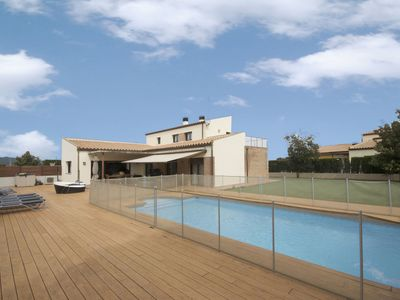 Photo for Located in a quiet urbanization a few meters from the historic center of Esclanyà, and on
