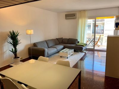 Photo for BEAUTIFUL APARTMENT IN THE HEART OF THE EIXAMPLE IDEAL FOR LARGE FAMILIES AND EST