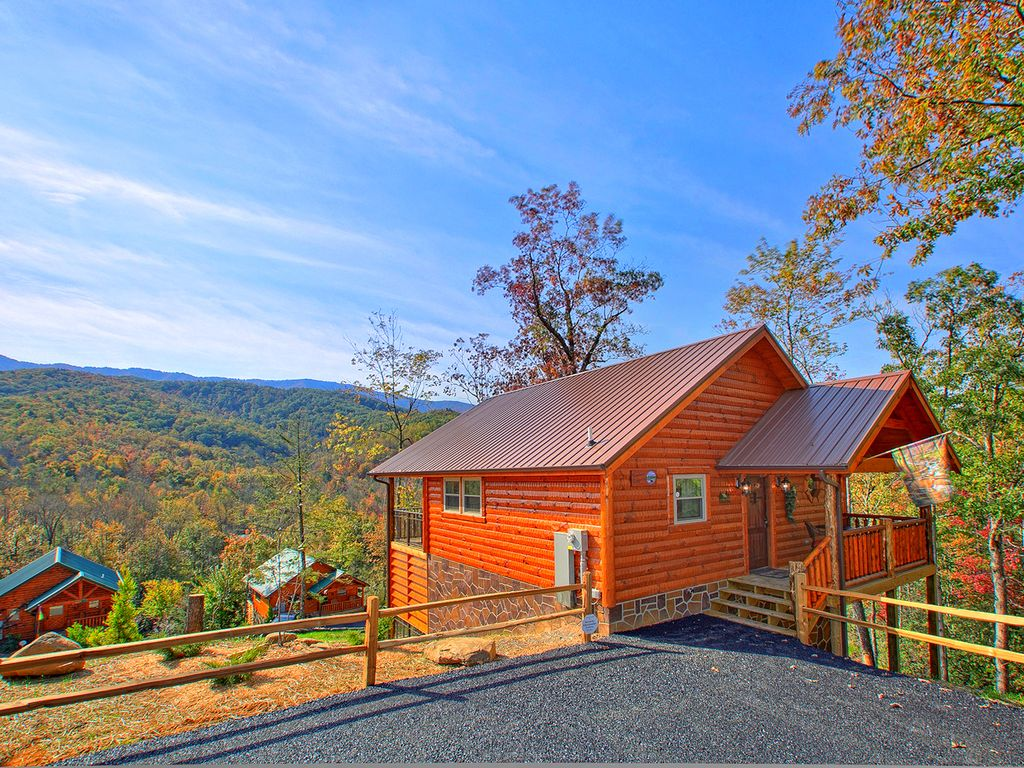 Brand New 1 Bedroom Cabin Loaded With Amenities And Views Gatlinburg Best Places To Stay