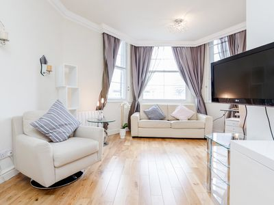 Photo for Beautiful cosy one bedroom apartment close to Liverpool Street