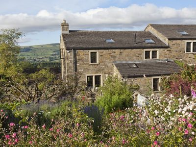 Photo for 3 bedroom Cottage in Leyburn - G0163