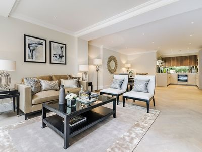 Photo for Luxurious Two Bed, Two Bath Apartment between Knightsbridge and Belgravia