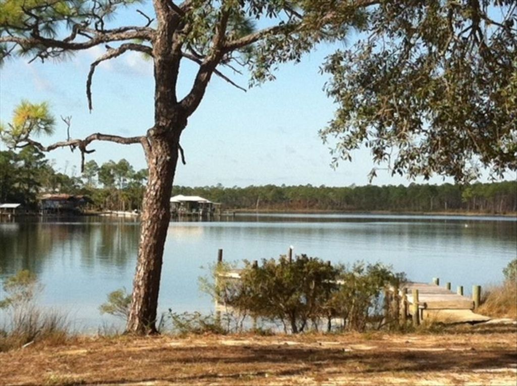 Charming waterfront retreat on peaceful pal vrbo for Waterfront retreat
