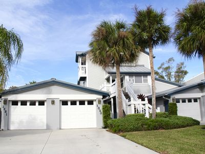 Photo for Newly Renovated* Townhouse In Prime Location With Private Beach Access!