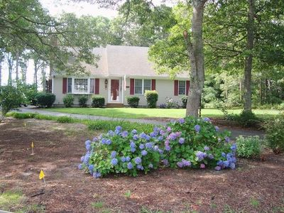 """Front view of """"Aoibhneas"""" meaning """"joy"""" in Scots-Gaelic - 11 Cranwood Road Harwich Cape Cod New England Vacation Rentals"""