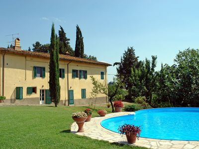 Photo for Nice apartment for 6 people with WIFI, pool, TV and parking