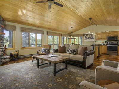 RMR: Remodeled Townhouse in The Cove of The Aspens!