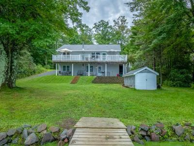 Photo for 🏡Cabin &🚤PONTOON!💦swimming🎣fishing🛶kayaks🔥fire ring☀️arcade🌲pool table🐟