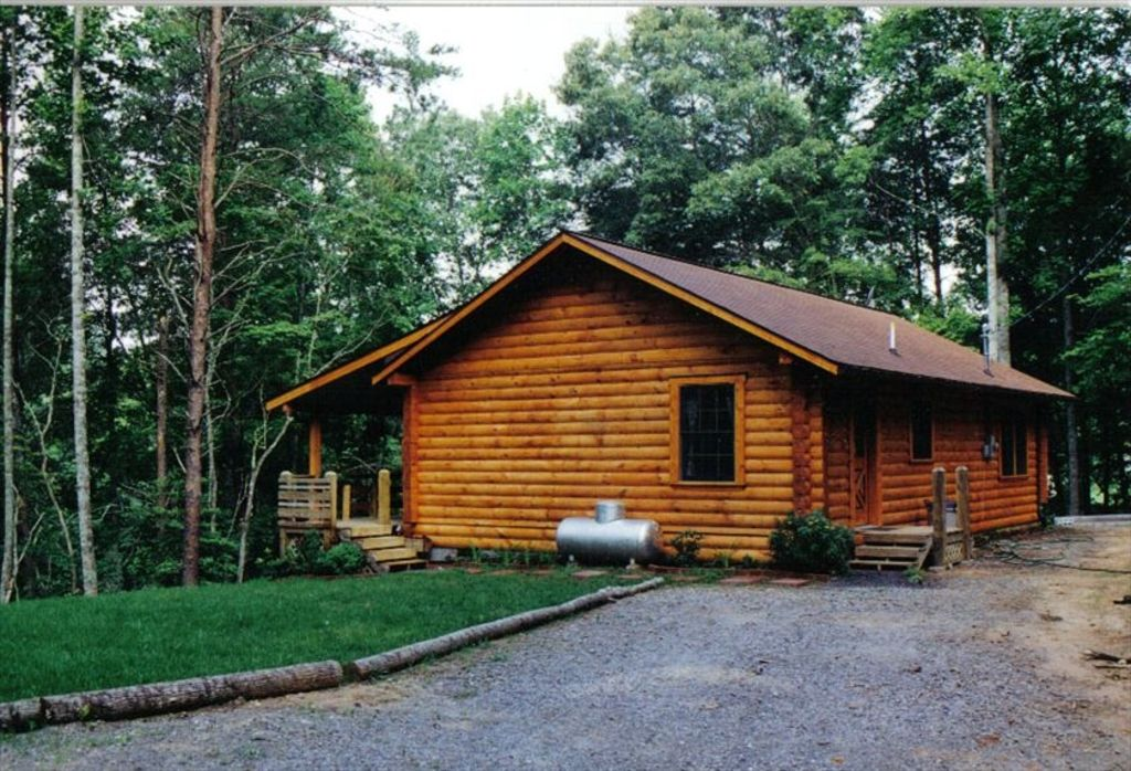 Moose lodge secluded log cabin retreat 86488 for Log cabin retreat