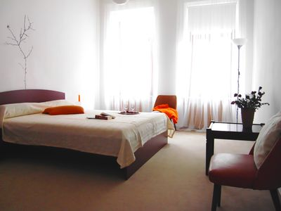 Photo for Centrally located 3 room guest apartment, suitable for 1 to 6 people