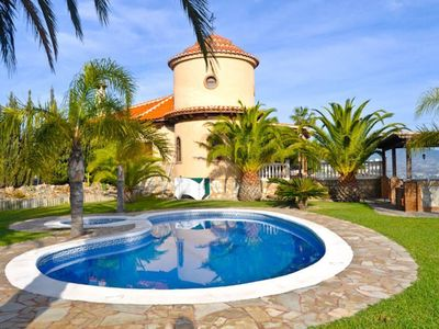 Photo for Magnificent Villa with large pool and jacuzzi, 6 bedrooms, large garden and view
