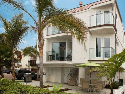 Newly Constructed Luxury 3-Bedroom/3-Bath in South Mission Beach