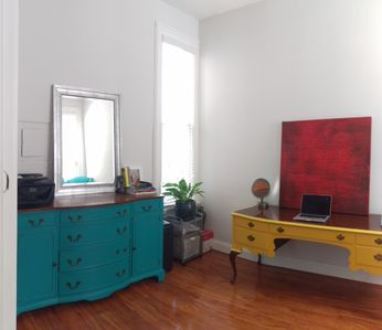 Photo for Sunny flat located in the heart of downtown Oakland.