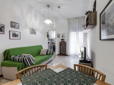 Photo for Cozy and quiet three-room apartment just steps from the center