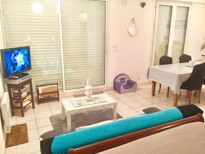 Photo for Appt 4 °, top floor, sea view, very bright southern exposure. WIRELESS. 82cm flat screen