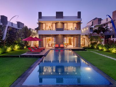 Photo for Luxury 5 Bedrooms Private Pool Villa - Beach Front