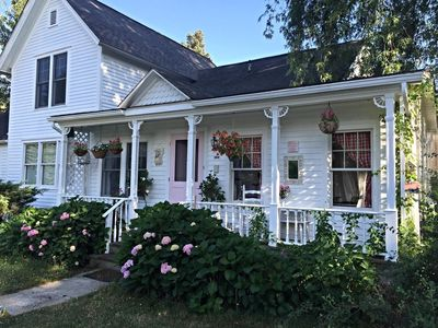 Just 1.8 miles from downtown SH!  Charming country estate