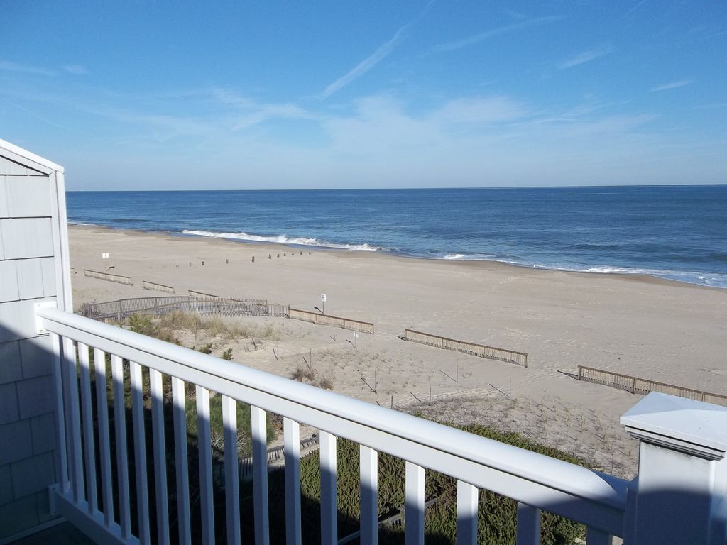 Wonderful Oceanfront 3 Story Bethany Beach Townhome