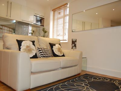 Photo for Secure modern Chelsea apartment- heart of Central London-superfast broadband