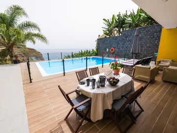 Ocean Vibes,Two bedrooms,swimming pool and Air conditioner