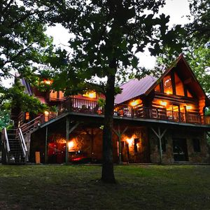 Photo for Secluded Log Home On Lake Hamilton With Private Boat Dock