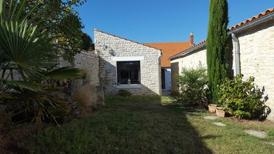 Photo for Beaurepaire Bright and comfortable house at 800 m from the beach Remigeasse