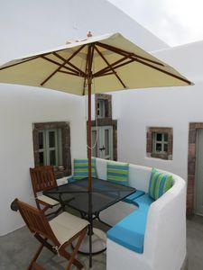 Dining area in courtyard