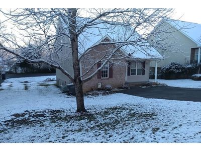 Photo for Home Sweet Home!!!  1/2 mIle from parkway in P.F.