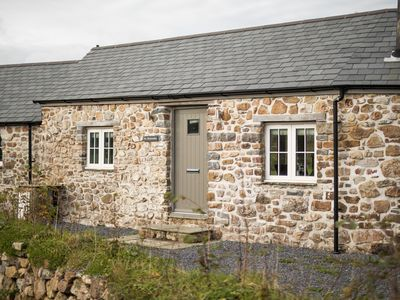 Photo for Luxury Barn Conversion, Beautiful Countryside Views, Parking, WiFi