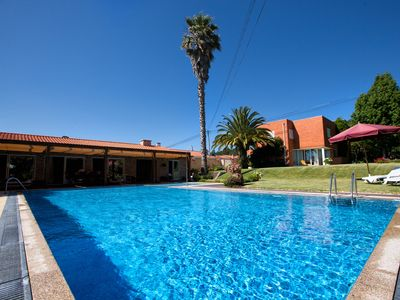 Photo for House Goios - House w / pool surrounded by spacious gardens to relax -Ideal