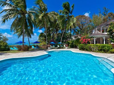 Photo for Emerald Beach 5 - Ideal for Couples and Families, Beautiful Pool and Beach
