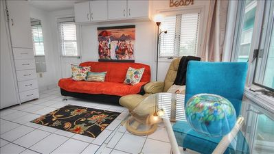 Neat and Tidy Efficiency in the Center of Clearwater Beach with Private Dock!