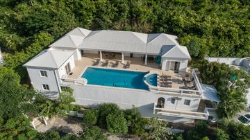 Almond Grove, Cole Bay, Sint Maarten
