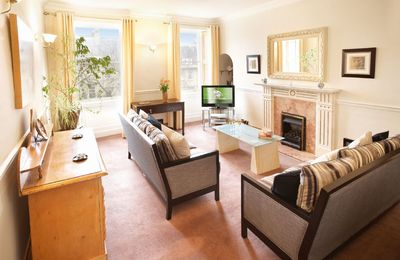 Catharine Place enjoys a comfortable and well presented sitting room
