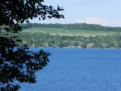 Lake Edge-Spectacular Location-3 Bedrooms-Waterfront-Private