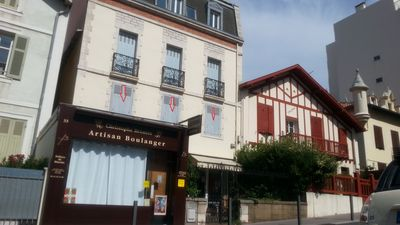Photo for 3 room apartment. In the center of Biarritz, 5 minutes walk from the beach.