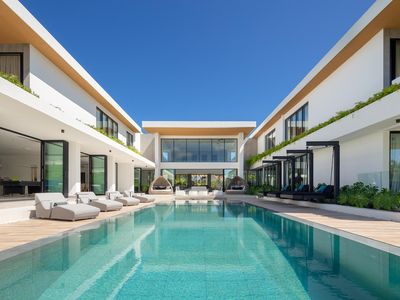 Photo for A Contemporary Retreat, Beach Club Nearby, Chef, Butler, Huge Pool, WIFI, Ideal for large groups!