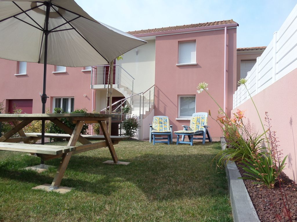 ideal for 2 families parking and garden homeaway saint