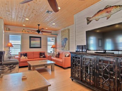 """Photo for 4BR/3.5BA """"Capt. Twigs"""" Pet Friendly, *Golf Cart Included, Close to Beach"""