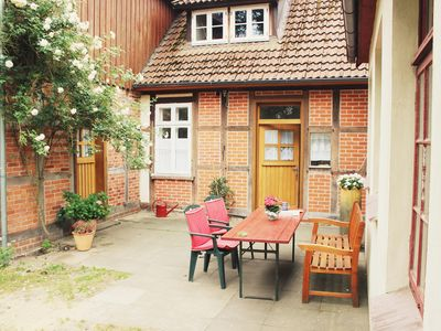 Photo for Apartment in the center, ground floor, family friendly, large garden.