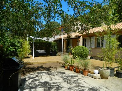 In the heart of Provence, house at the foot of the hills between Aix en Provence and Ca