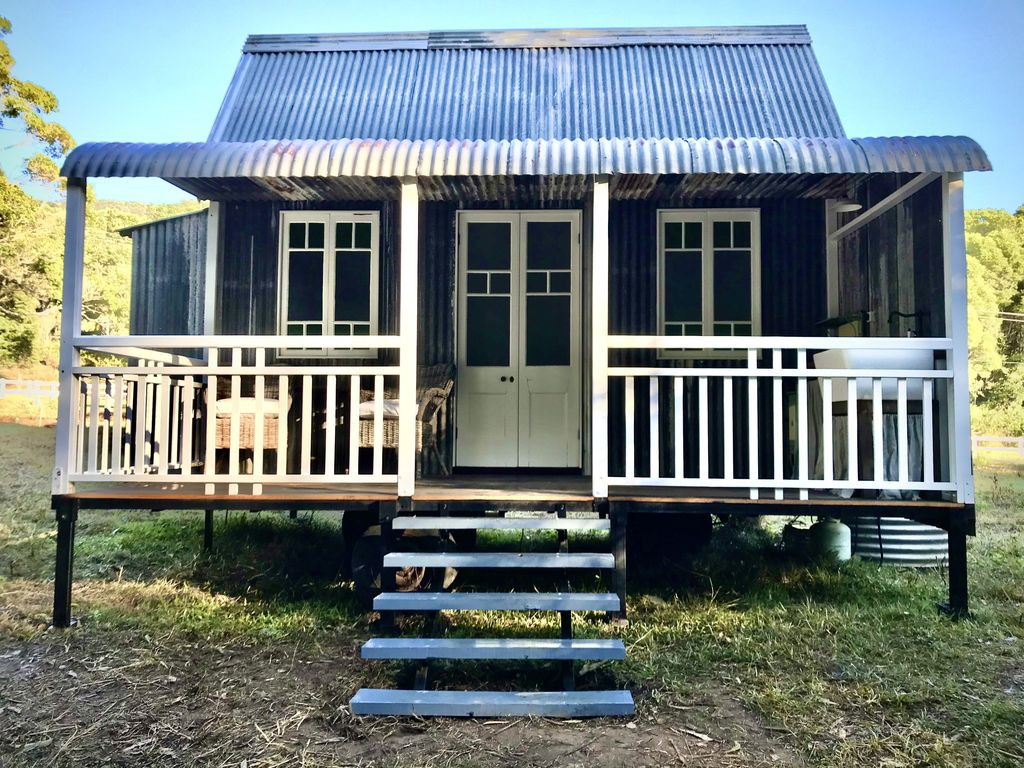 Wrens Hollow - A wee tiny house with creeks views - Gold Coast Hinterland -  Austinville