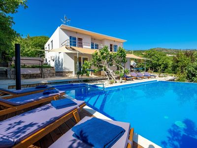 Photo for Wonderful private villa for 8 guests with A/C, WIFI, private pool, hot tub, TV and parking