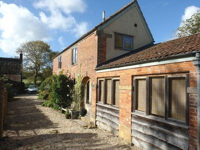 Photo for Pittards Farm Cottage, SOUTH PETHERTON