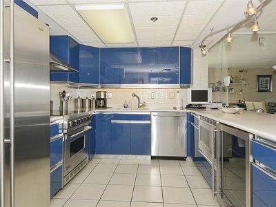 Photo for LINENS &  DAILY ACTIVITIES INCLUDED*!! Spacious 3 bedroom, 2 bath condo has undergone significant renovations.