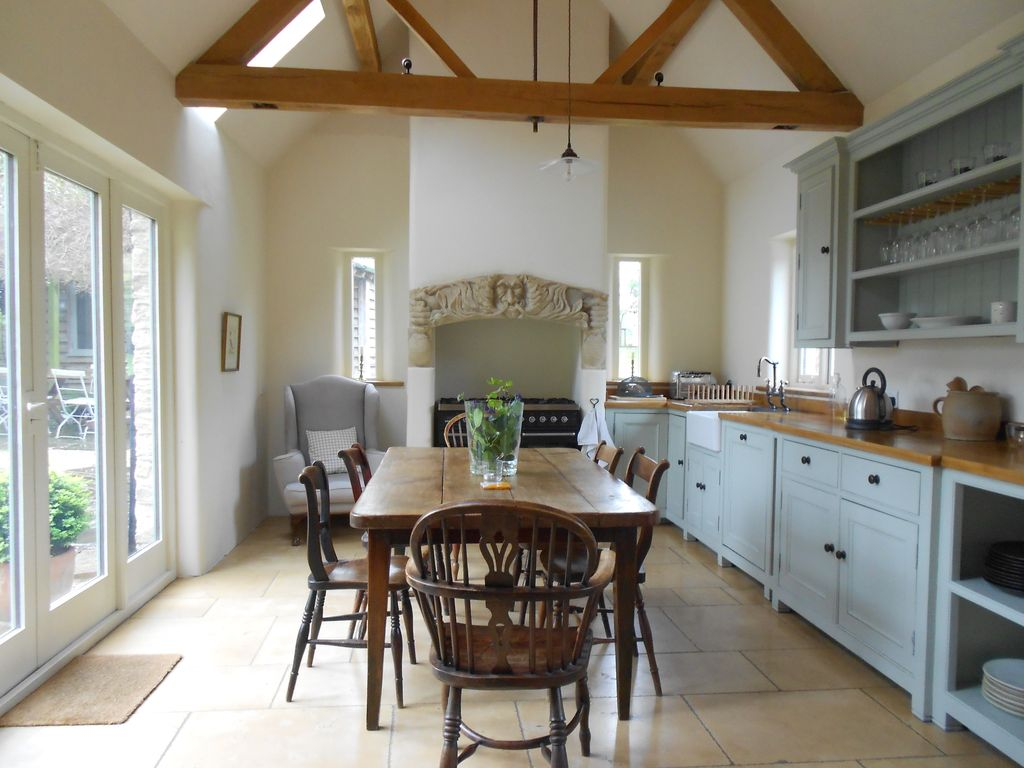 Explore Oxford and the Cotswolds from Charm... - HomeAway