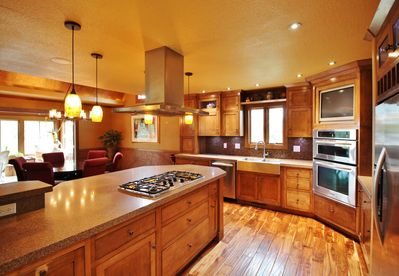 Fully Furnished Chef's Kitchen