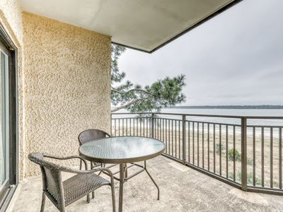 Photo for Homey condo w/ ocean views, balcony, shared pool & easy beach access!
