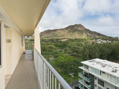 Photo for High Floor - Ocean View Queen Bed Studio with Kitchenette, Very Quiet Building.