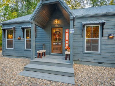 Photo for Silver Linings - Sleeps 2, Pet-Friendly, Hot Tub, NFL Sunday Ticket